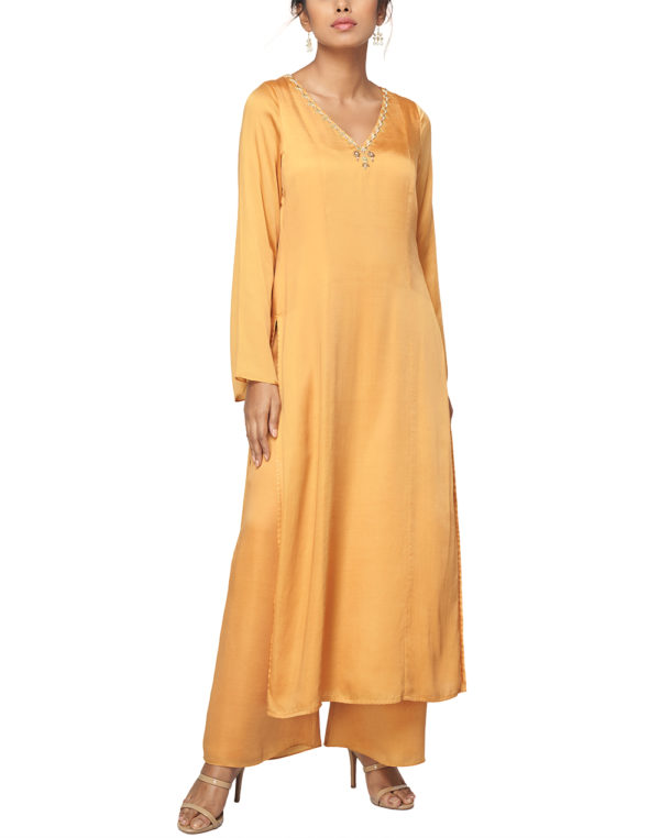 Embroidered Flared Sleeve Kurta
