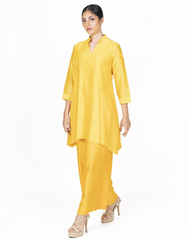 THE KYRA TUNIC FRONT